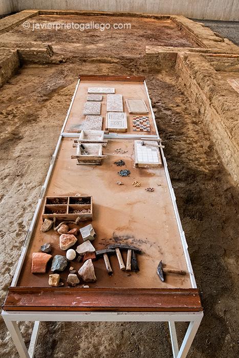 Taller para realizar mosaicos en la villa romana de La Olmeda. Palencia. Castilla y León. España © Javier Prieto Gallego;