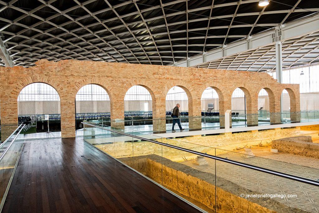 Arcos del patio central de la Villa romana de La Olmeda. Palencia. Castilla y León. España © Javier Prieto Gallego;