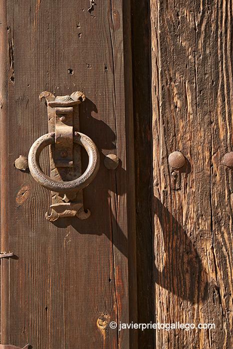 Aldaba de la puerta del Monasterio del Sancti Spiritus. Toro. Castilla y León. España © Javier Prieto Gallego