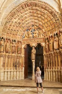 Portada de la Majestad, policromado, gótico del siglo XIII. Toro. Castilla y León. España © Javier Prieto Gallego