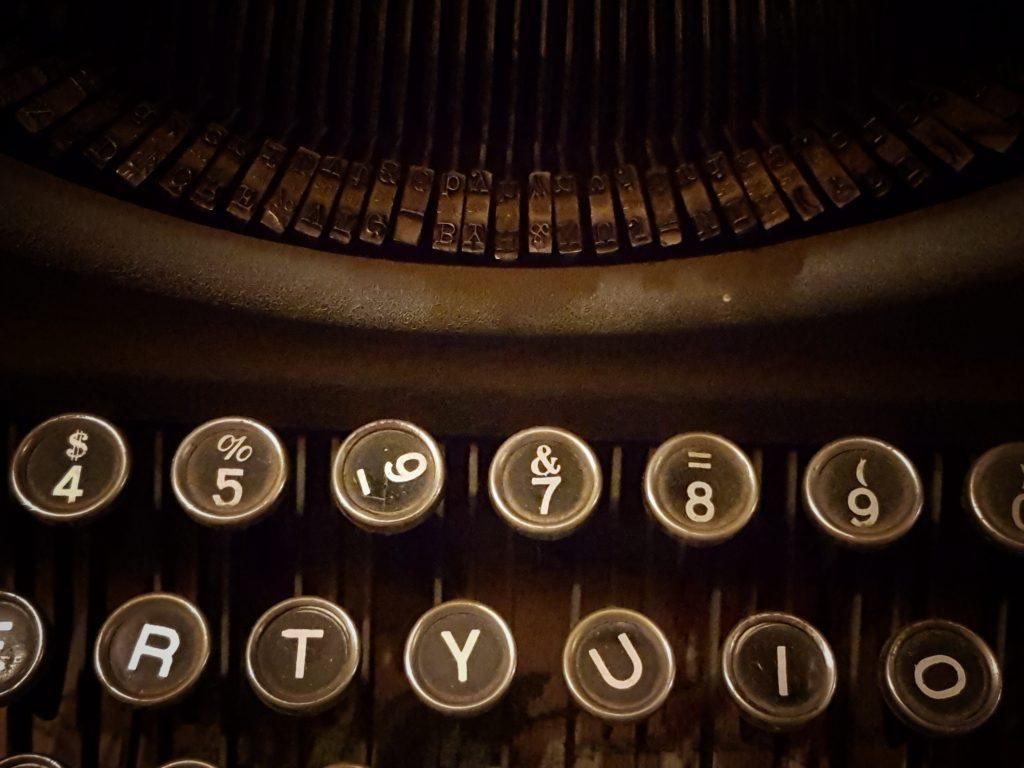 Teclado de máquina de escribir antigua. El Molino. Burgos. España. © Javier Prieto Gallego